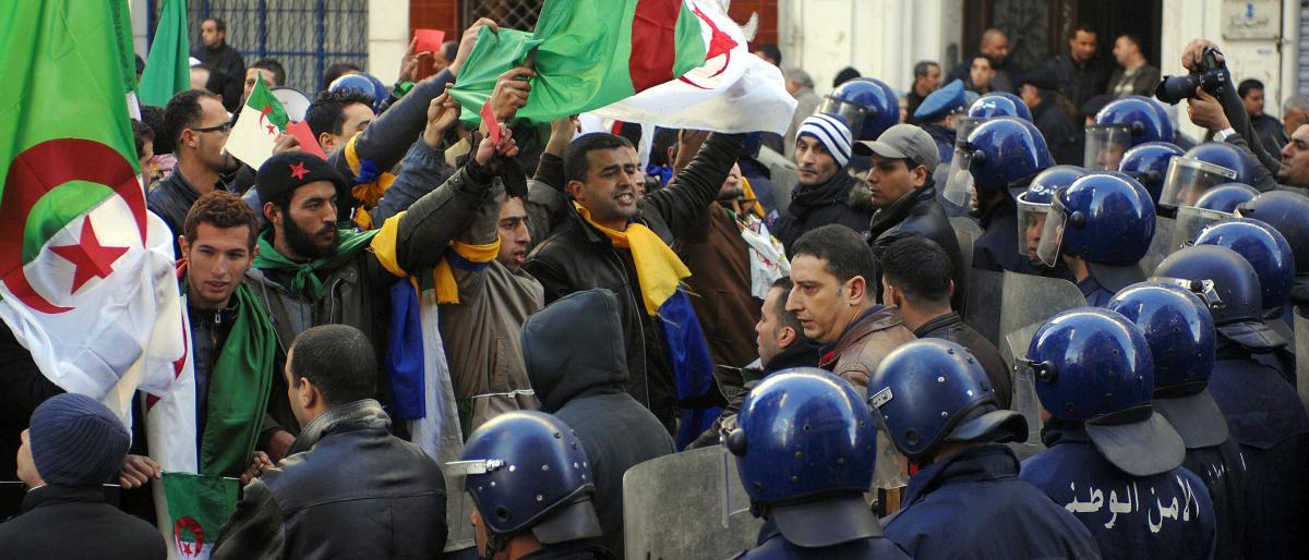 المحامون في الجزائر ضد العهدة الخامسة لبوتفليقة