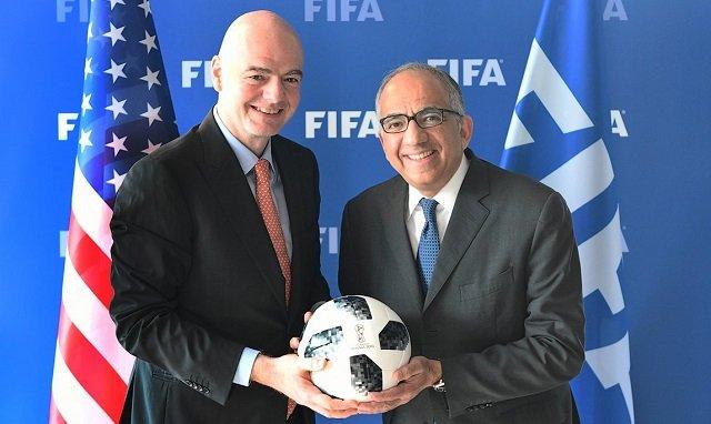 عاجل:  السويسري جياني إنفانتينو، رئيس الاتحاد الدولي لكرة القدم يعلن فوز الملف الثلاثي الأمريكي بتنظيم كأس العالم 2026