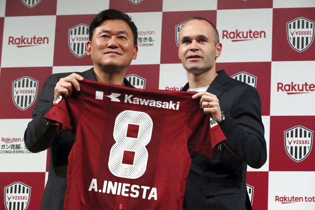 رسميًا.. إنييستا يتفق مع فريقه الجديد