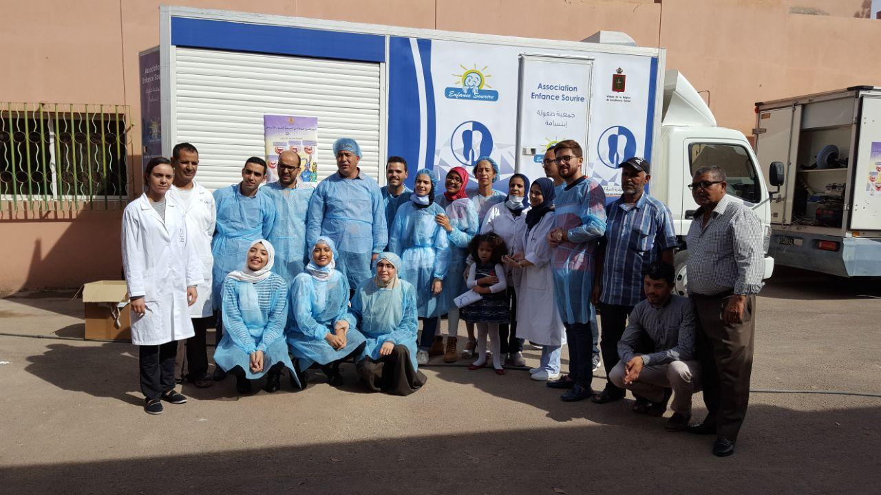 عملية تحسيسية وعلاجية مجانية لطب الأسنان بشراكة مع وزارة الصحة بجهة مراكش آسفي