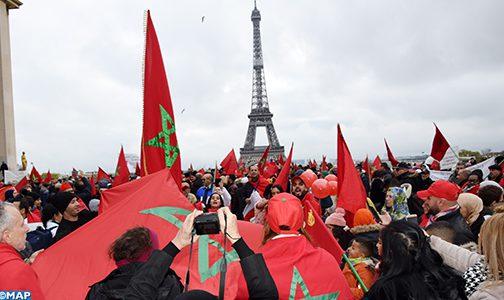 إهانة العلم الوطني .. مغاربة أوروبا يتظاهرون بباريس تنديدا بالمس برمز من رموز الوطن