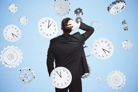 جمعيات ونقابات ترفض الساعة الجديدة
