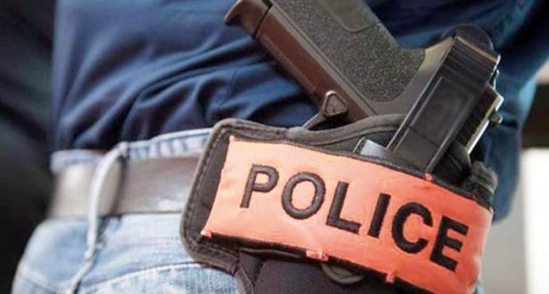 مراكش .. ضابط شرطة يضطر لإشهار سلاحه الوظيفي لتوقيف شخص عرض سلامة المواطنين وممتلكاتهم للخطر