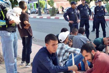 تلاميد معهد ابو العباس السبتي التابع للمنظمة العلوية لرعاية المكفوفين بمراكش يصعدون احتجاجهم