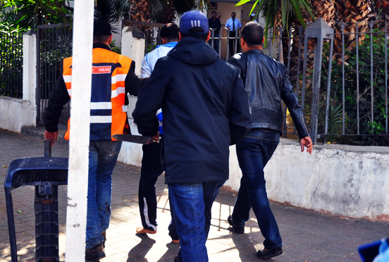 ايقاف شخص يشتبه في تعريضه لسائح أجنبي للسرقة مقرونة بالعنف
