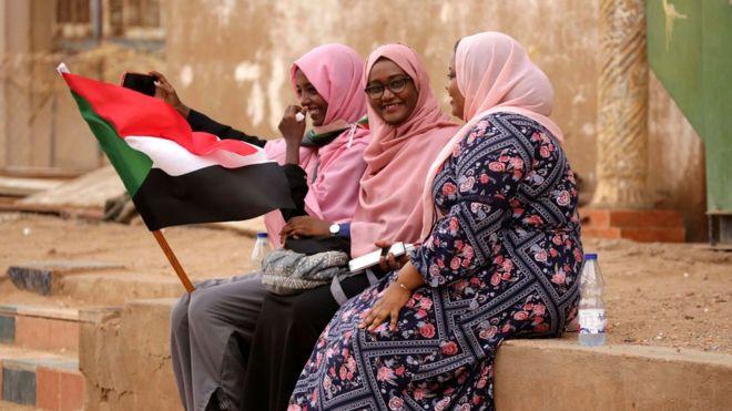 الأزمة في السودان.. استعدادات لبدء صفحة جديدة بالتوقيع على وثائق المرحلة الانتقالية