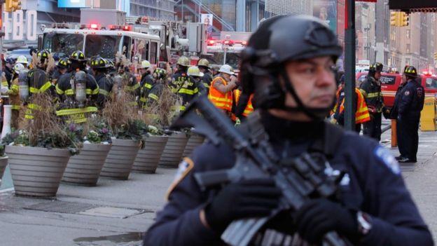 الشرطة الأمريكية تحتجز شخصا بعد انفجار في نيويورك