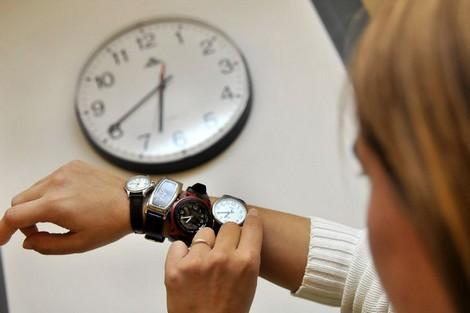 المحامون يرفضون الساعة الجديدة