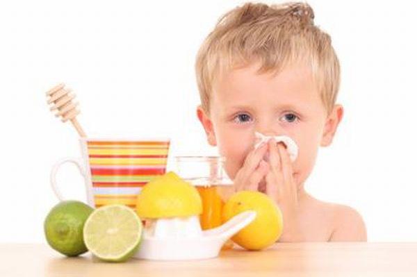 5 وصفات طبيعية للوقاية من نزلات البرد عند اﻷطفال