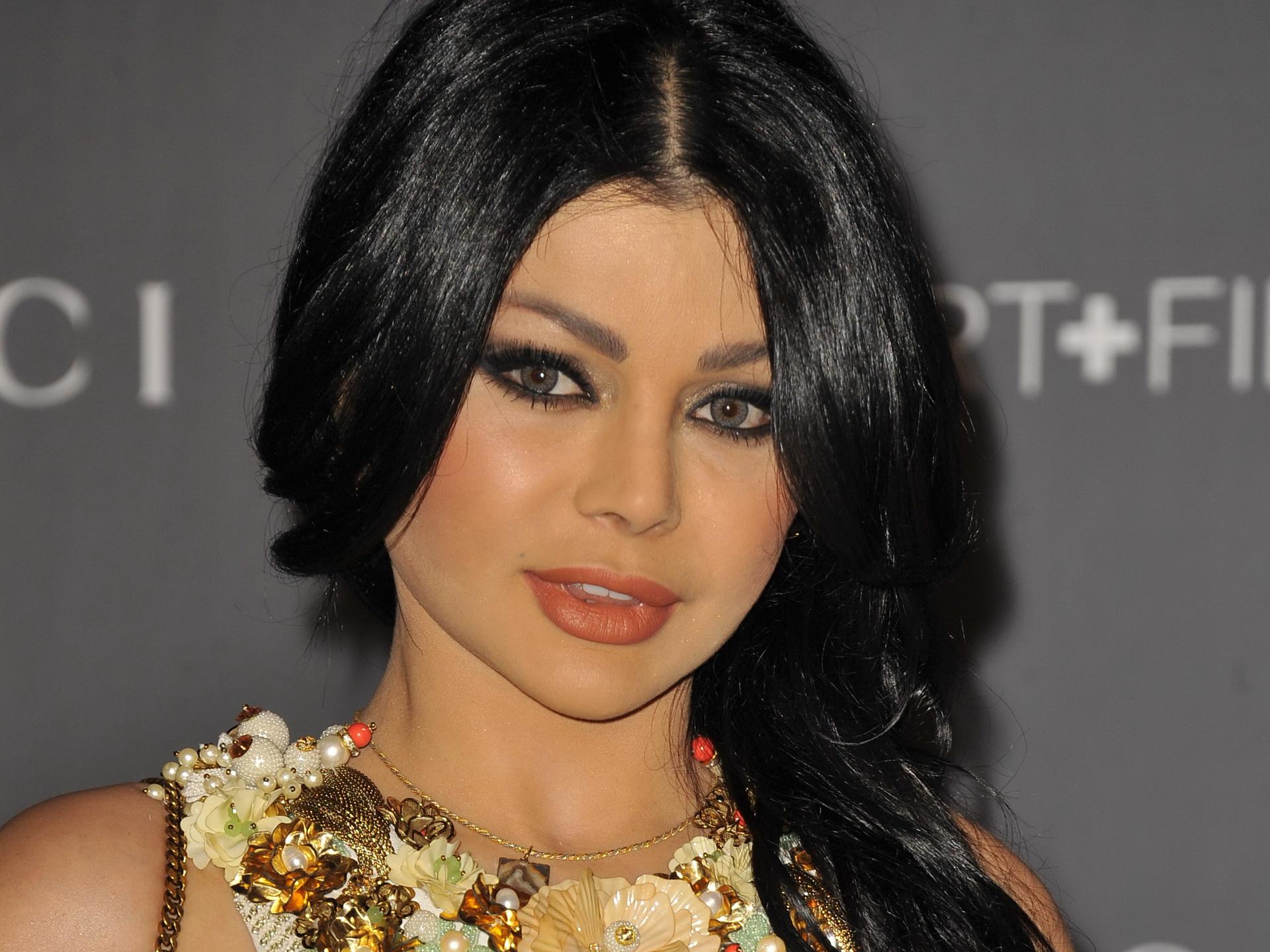 هيفاء وهبي ممنوعة من التمتيل في مصر
