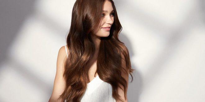 إليك طريقة تمليس شعرك دون استخدام الحرارة لتحافظي على صحته وحيويته