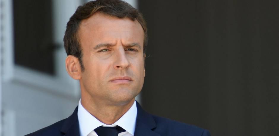 تتويج الرئيس الفرنسي بجائزة
