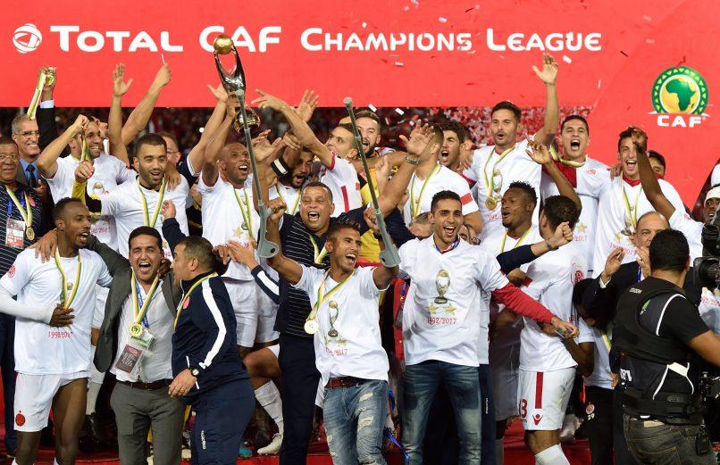 أشرف بنشرقي ومحمد أوناجم ضمن اللائحة النهائية لنيل جائزة أفضل لاعب ممارس داخل القارة الافريقية