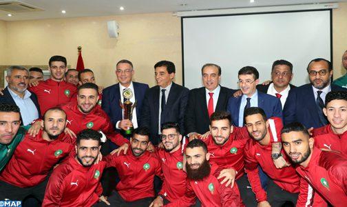 وزارة الثقافة والشباب والرياضة تحتفي بالمنتخب الوطني لكرة القدم داخل القاعة المتوج ببطولة إفريقيا