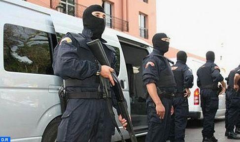 """تفكيك شبكة إرهابية تتكون من 13 عنصرا ينشطون في مجال تجنيد وإرسال مقاتلين مغاربة لتنظيم """"الدولة الإسلامية""""(بلاغ)"""
