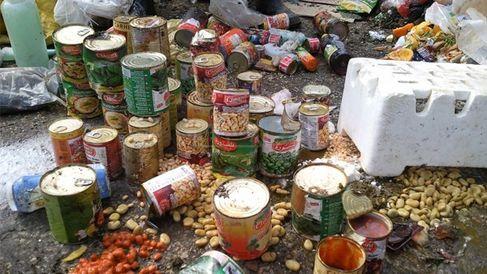 ضبط حوالي 50 طن من المواد الغذائية منتهية الصلاحية داخل مستودع بمراكش
