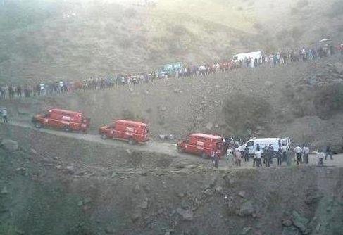الطريق بين مراكش و وارزازات مزال كتهز ف الارواح: حادث سير أودى بستة أشخاص