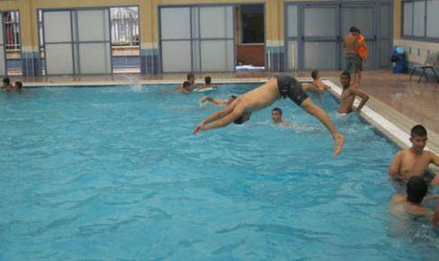 أندية محرومة من مسابح مدينة مراكش وخصاص في مدربي السباحة
